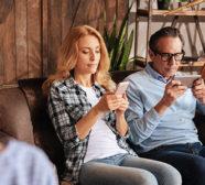 parents using smartphones